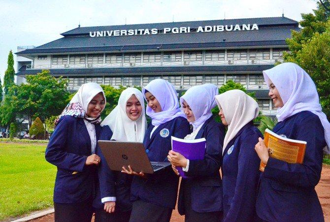Universitas PGRI Adi Buana salah satu universitas swasta yang membuka jurusan PLB