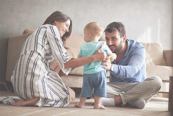 perbedaan gaya parenting