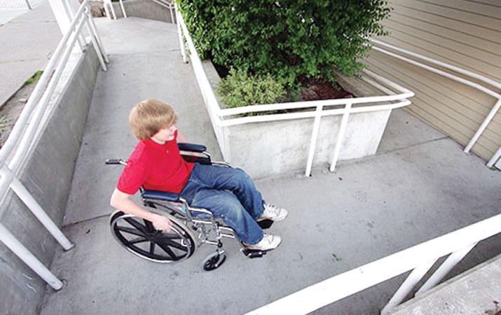 tanjakan kursi roda